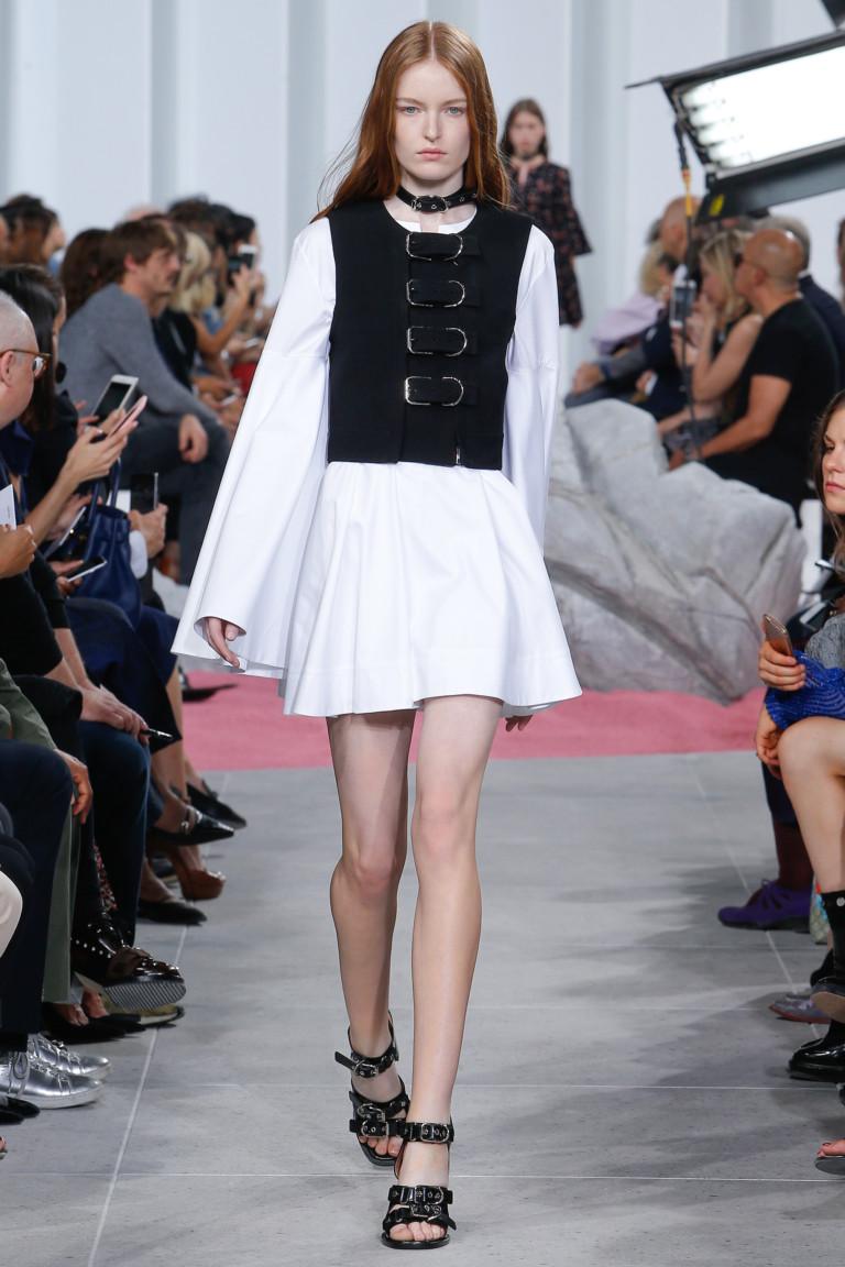 Черно-белое короткое модное платье 2017 из коллекции Carven