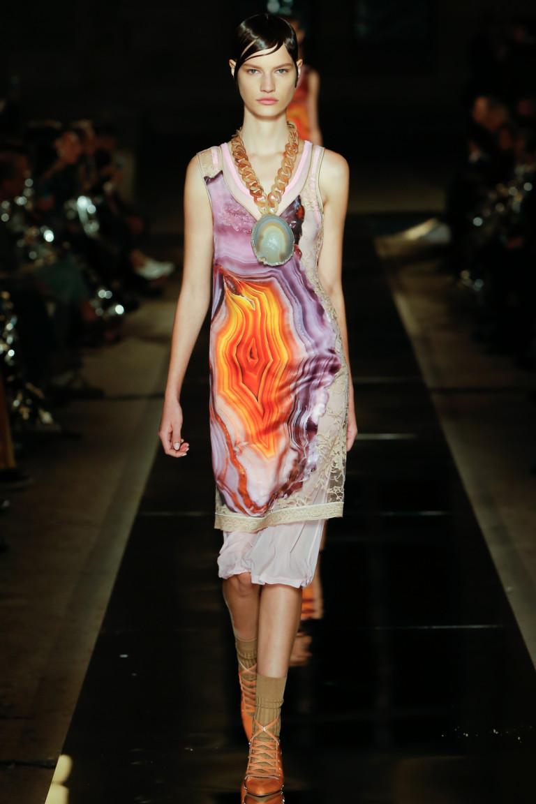 Модное короткое платье-бюстье 2017 - фото новинки из коллекции Givenchy