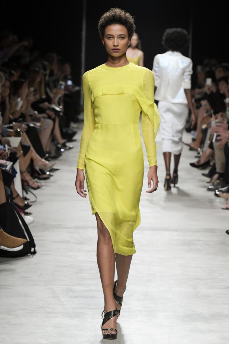 Короткое салатовое модное платье 2017 из коллекции Guy Laroche