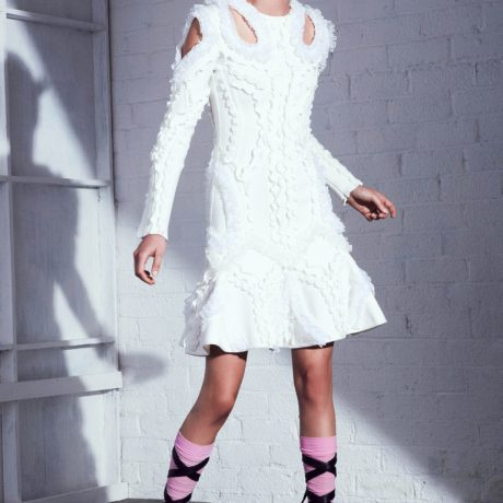 Короткие платья 2017: бархат, асимметрия и другие тренды