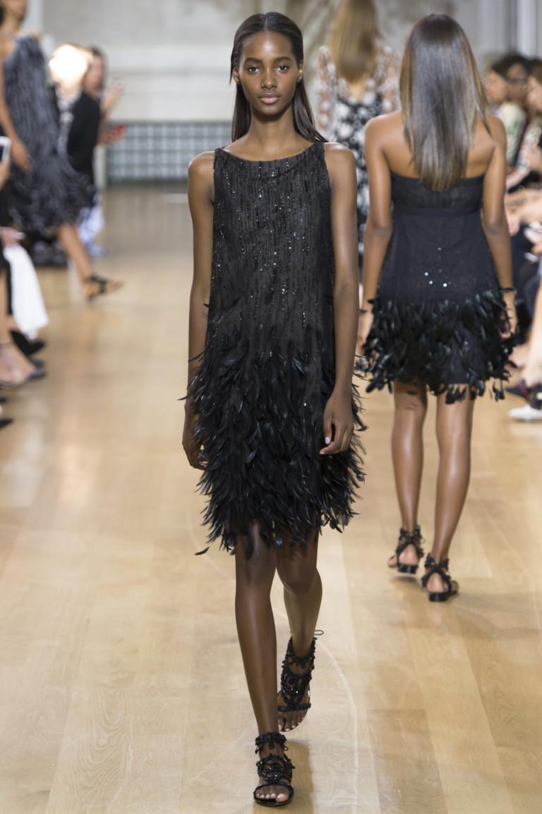 Модное короткое платье 2017 с бахромой из коллекции Oscar de la Renta