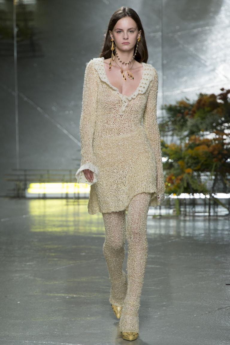 Модное золотистое короткое платье 2017 - фото новинки в коллекции Rodarte