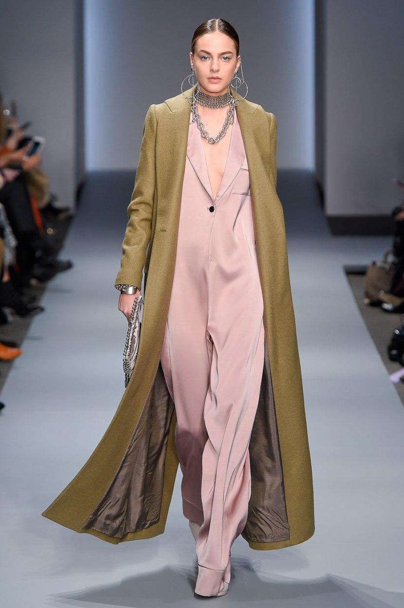 Длинное пальто 2017: с чем носить?