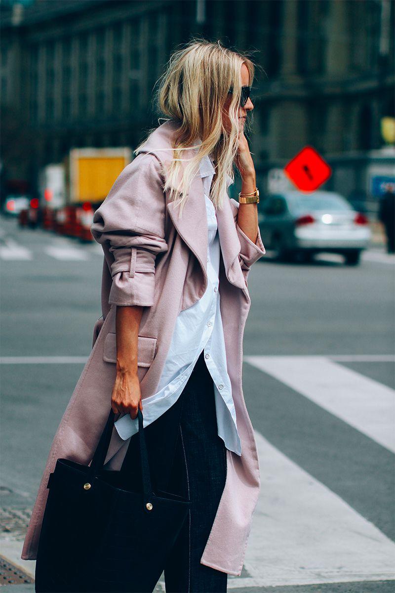 На фото: главный тренд этого сезона - одежда нежно-розового цвета.