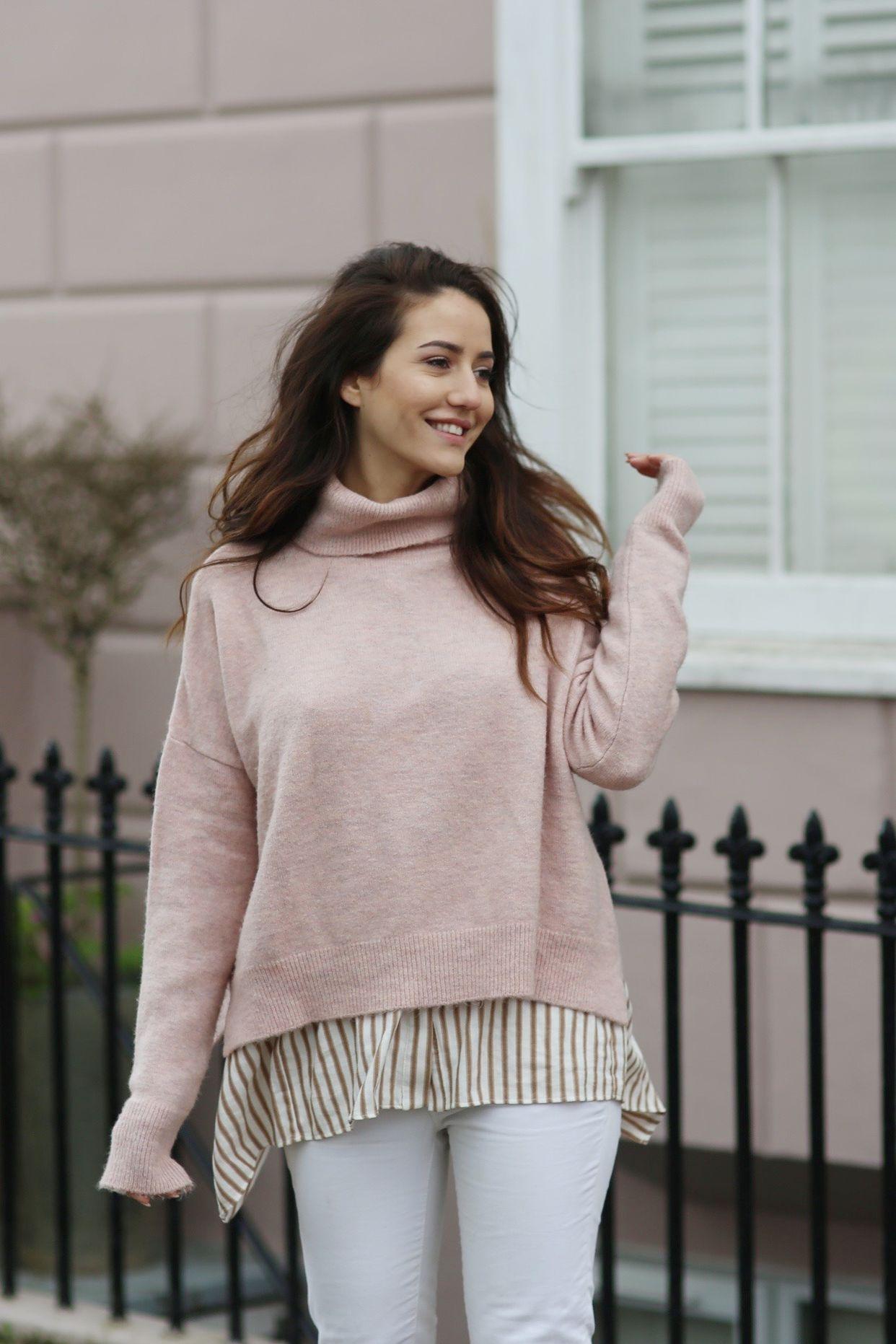 На фото: свитер пастельно-розового цвета - самый модный цвет сезона.