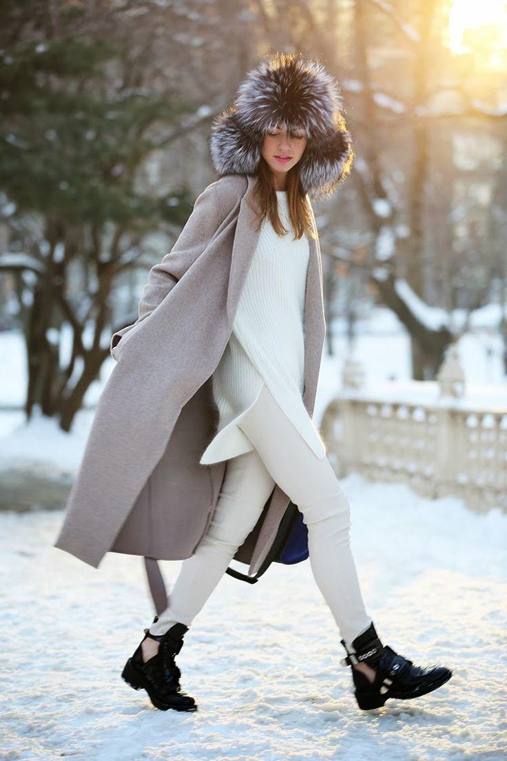 С чем носить длинное серое пальто
