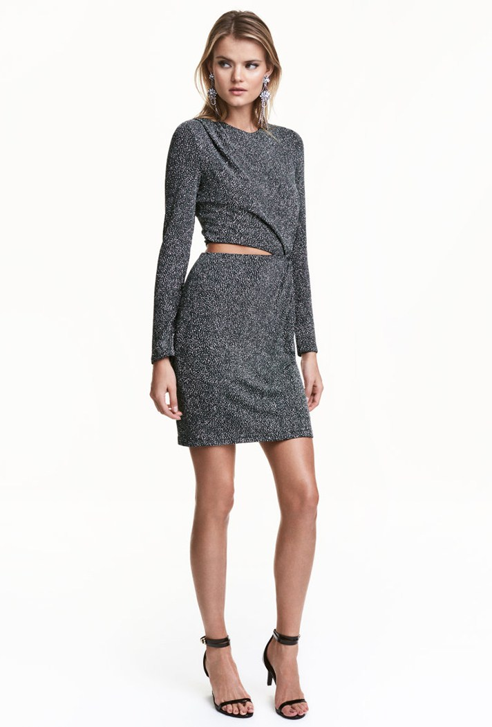Короткое модное платье 2017 с разрезом на талии - фото новинки и тренды сезона