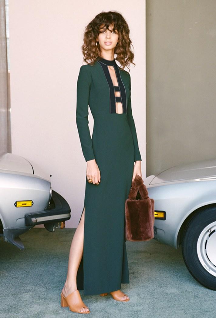 Длинное зеленое модное платье 2017 года