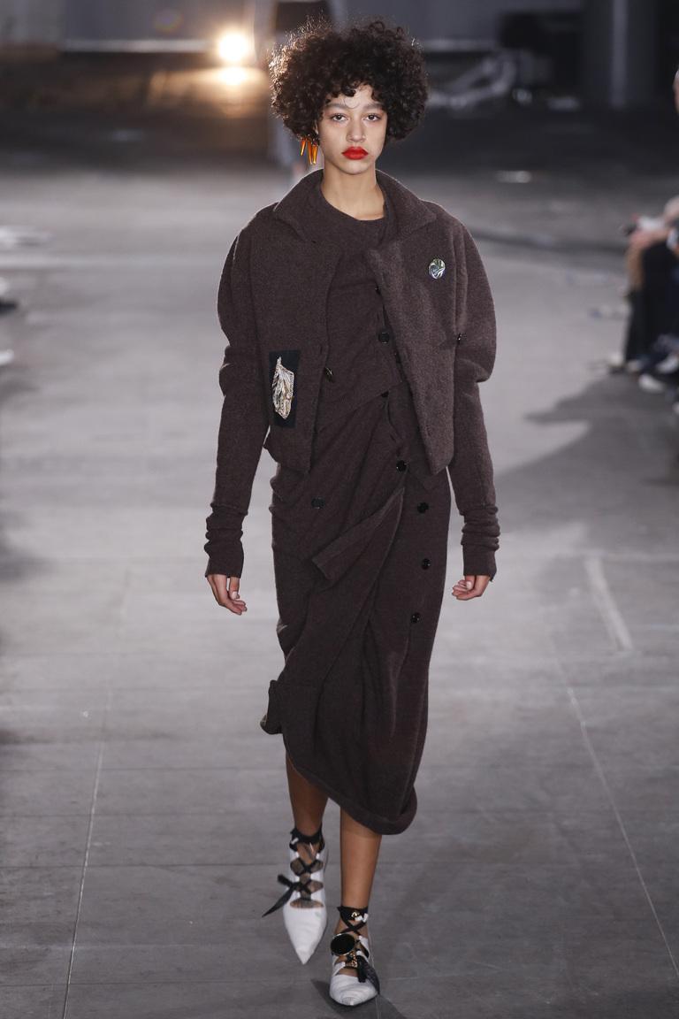 Черный модный кардиган 2017 в стиле гранж фото обзор коллекции Joseph.