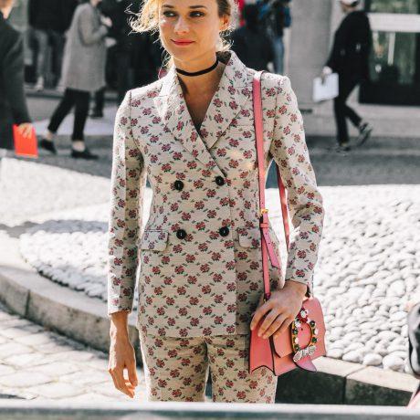 Удлиненный жакет: с чем модно носить?