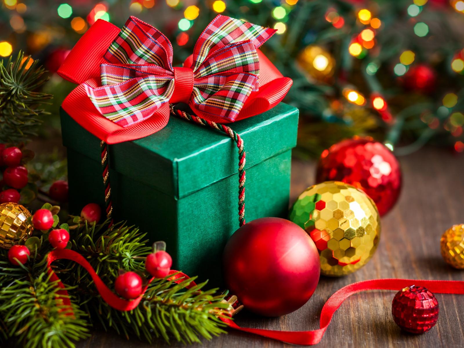 holiday-box-gift-happy-new