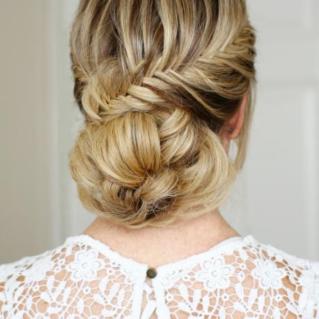 Прически с косами на средние волосы — фото мастер классы
