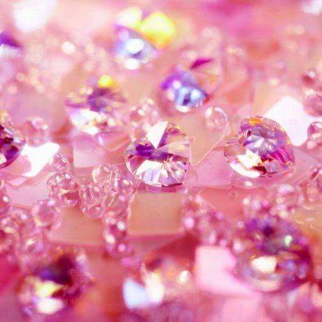 Розовые драгоценные камни. Почему они притягивают женщин?
