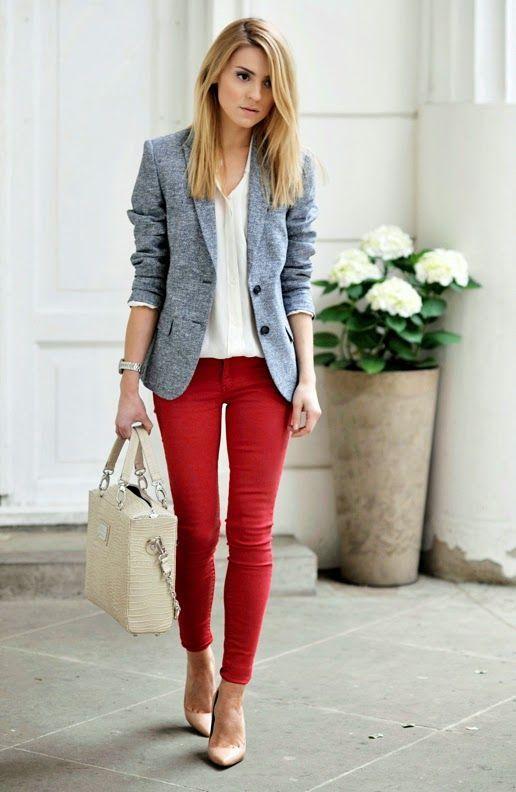 Бежевые джинсы модный лук