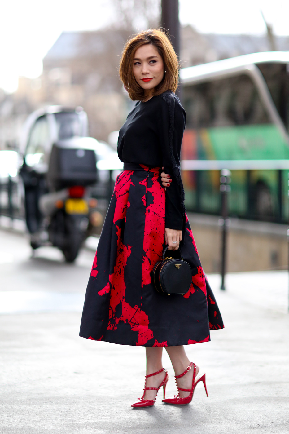 Блузы с пышными юбками