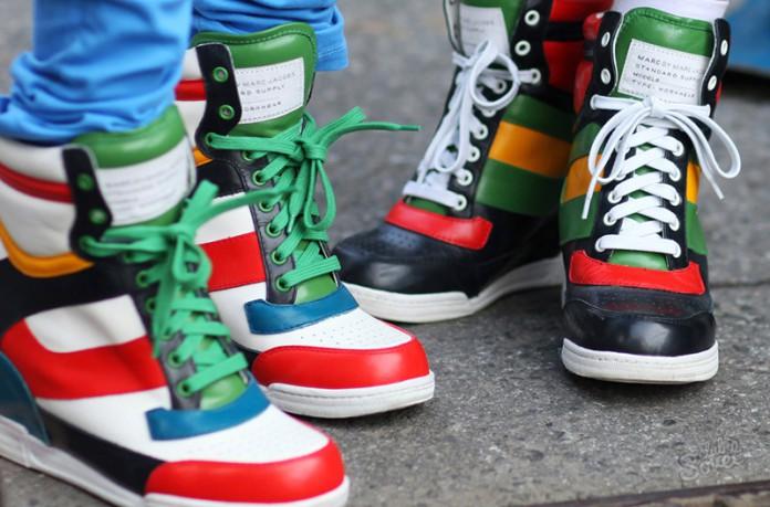 Кеды на танкетке или кроссовки на платформе