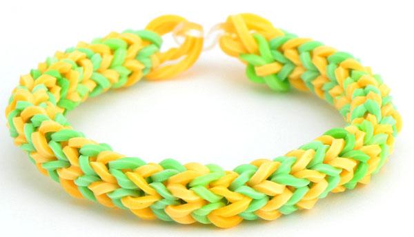 Плетём браслеты из резинок на маленьком станке видео