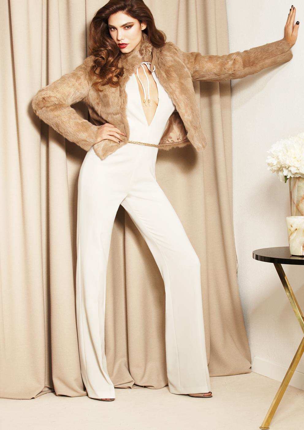 9f18b2453d0 Потрясающий наряд в гламурное стиле одежды