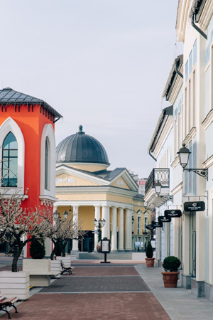 в Outlet Village Белая Дача стартует серия уикендов Late Night Shopping