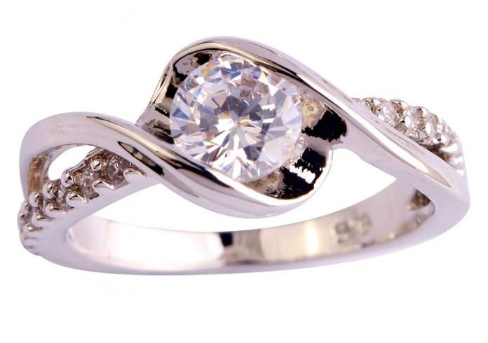 Белый топаз – альтернатива бриллианта