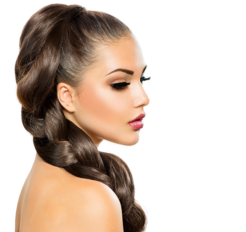 длинные волосы красиво уложенные в косу