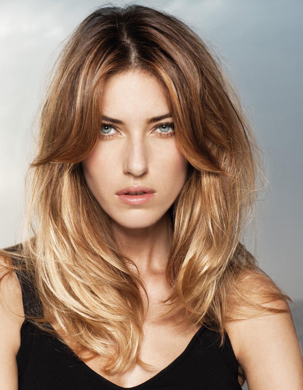 Фото новинка: модный каскад на коротких волосах