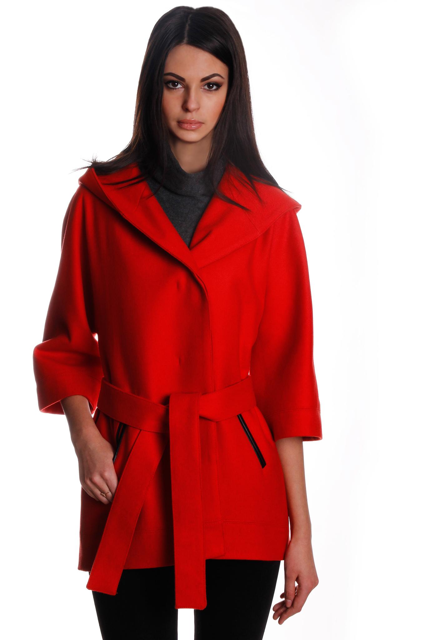 Короткое пальто с капюшоном – фото новинки и тренды сезона