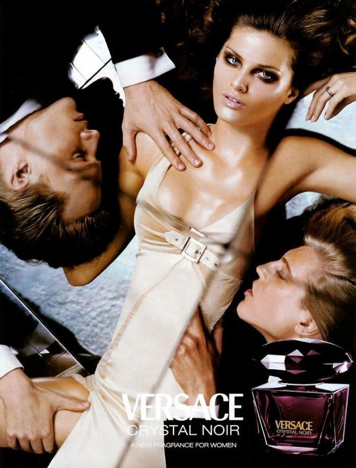 Парфюм, который притупляет мужчин - Versace Crystal Noir