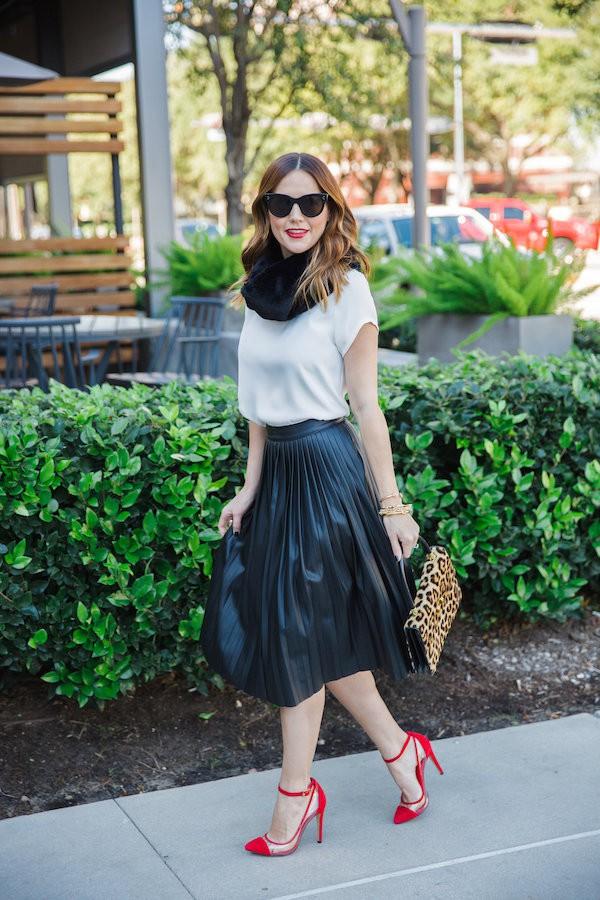 Кожаная юбка и ее новое сочетание с мехом