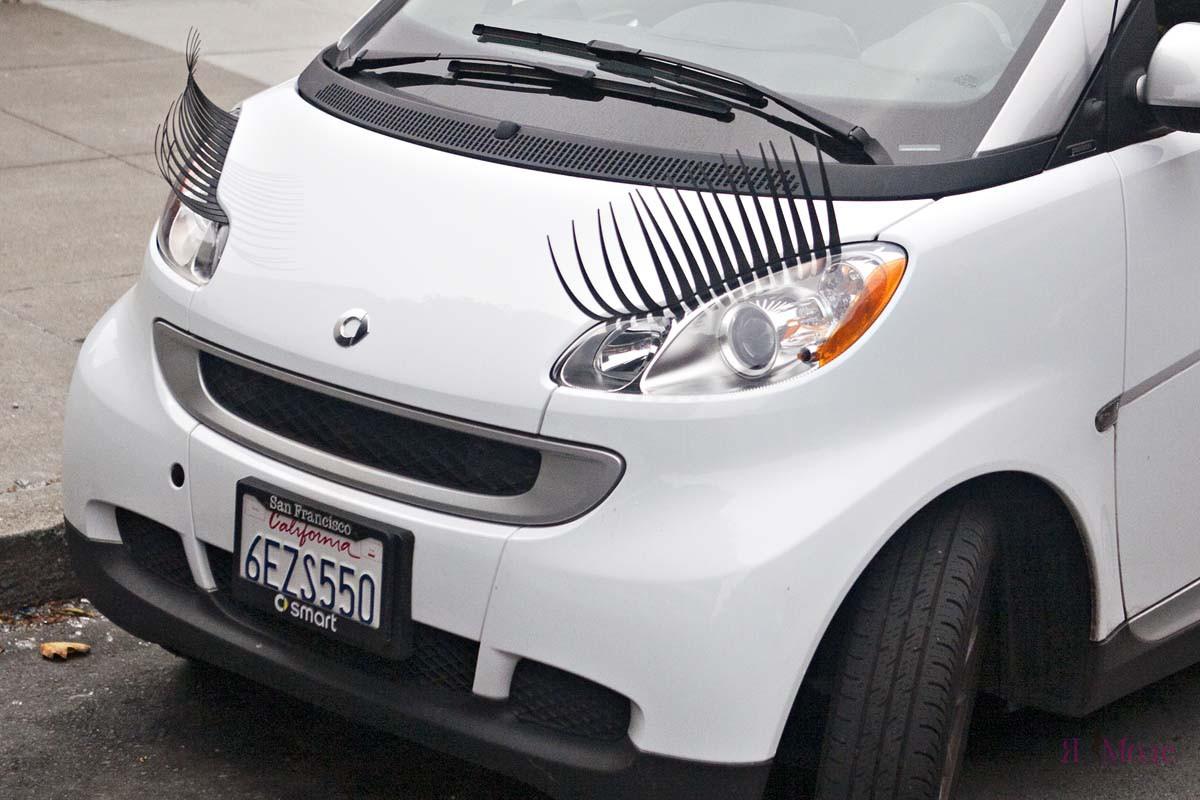 нежный маникюр машины с фарами и ресницами фото когда