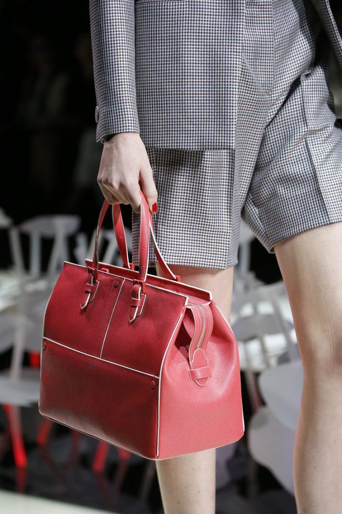 Женские сумки: с ручками и через плечо Giorgio Armani