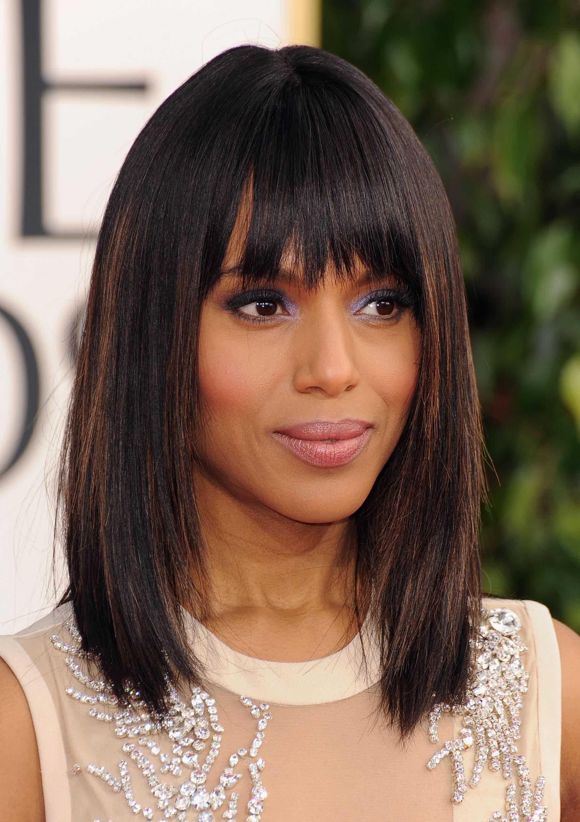 стрижка на средние волосы для прямых волос с рваной челкой градуироованное каре