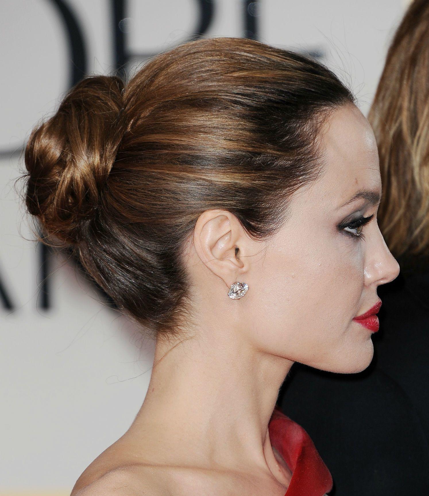 Прически на длинные волосы с пучками