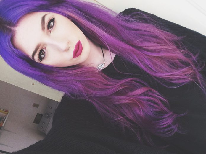 Новый тренд в окрашивании – волосы цвета фиалки