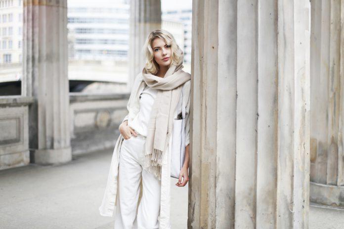 15 новых белых нарядов: как не выглядеть скучно, дешево и безвкусно
