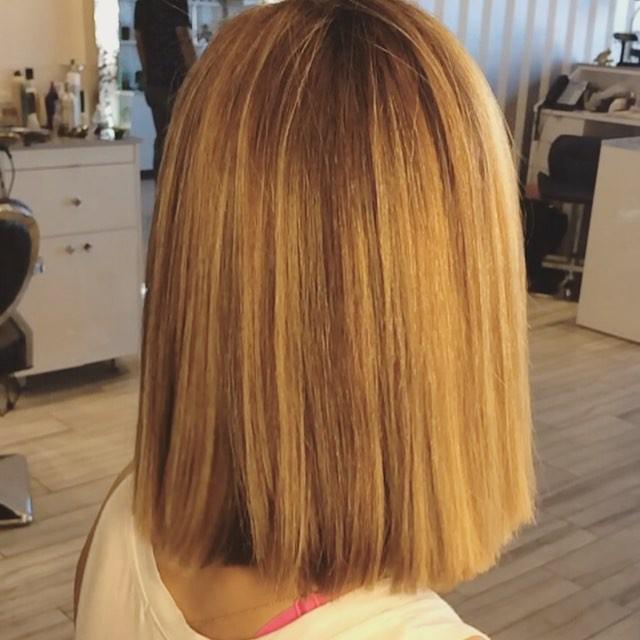 боб на среднюю длину волос на прямых волосах
