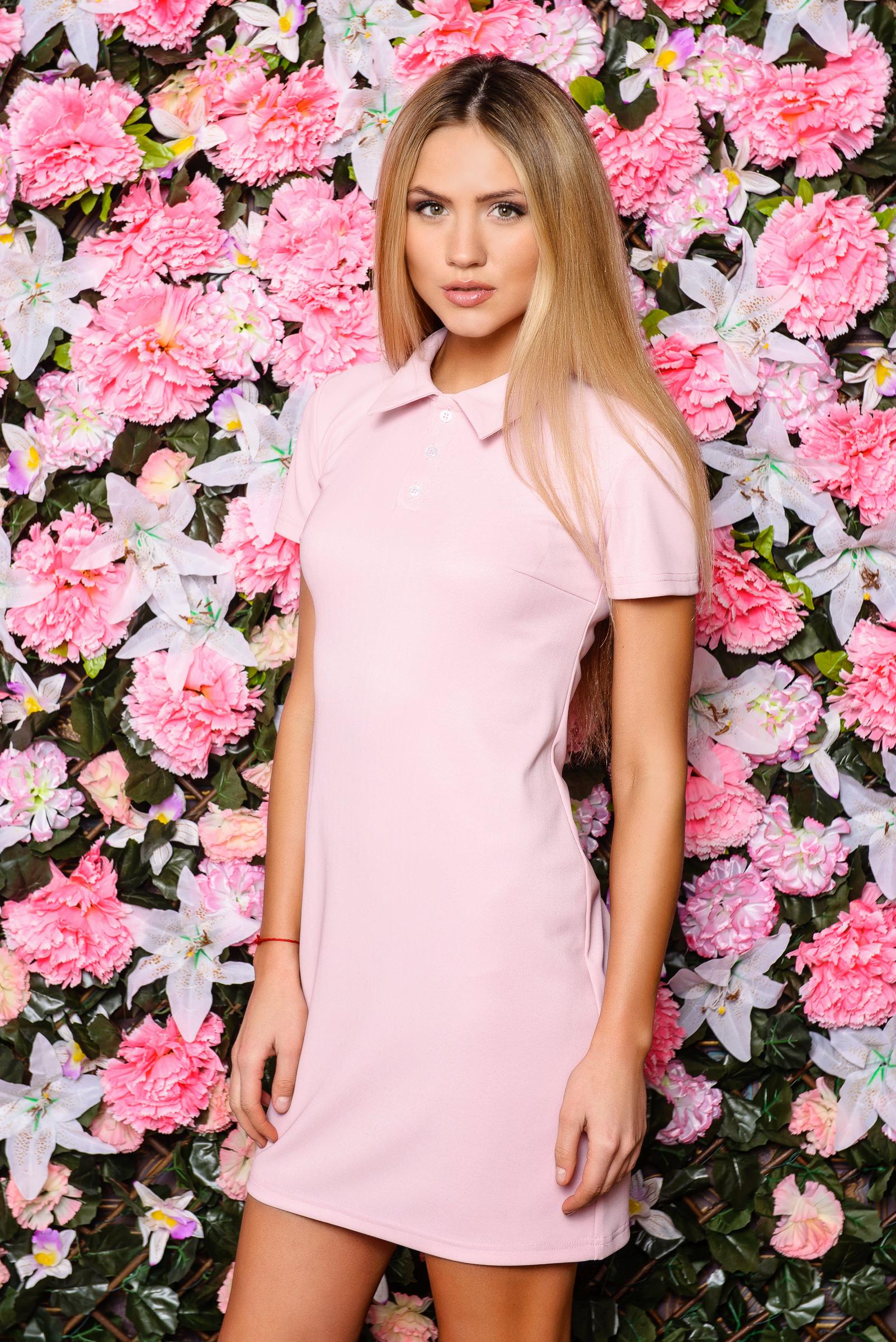 Фасон платья поло, розовое платье в спортивном стиле. Модель платье поло 2020