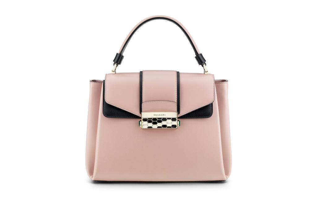 d590a22437e8 Модная сумка: яркая новинка сезона - сумки, имеющие одну ручку из коллекции  bulgari.
