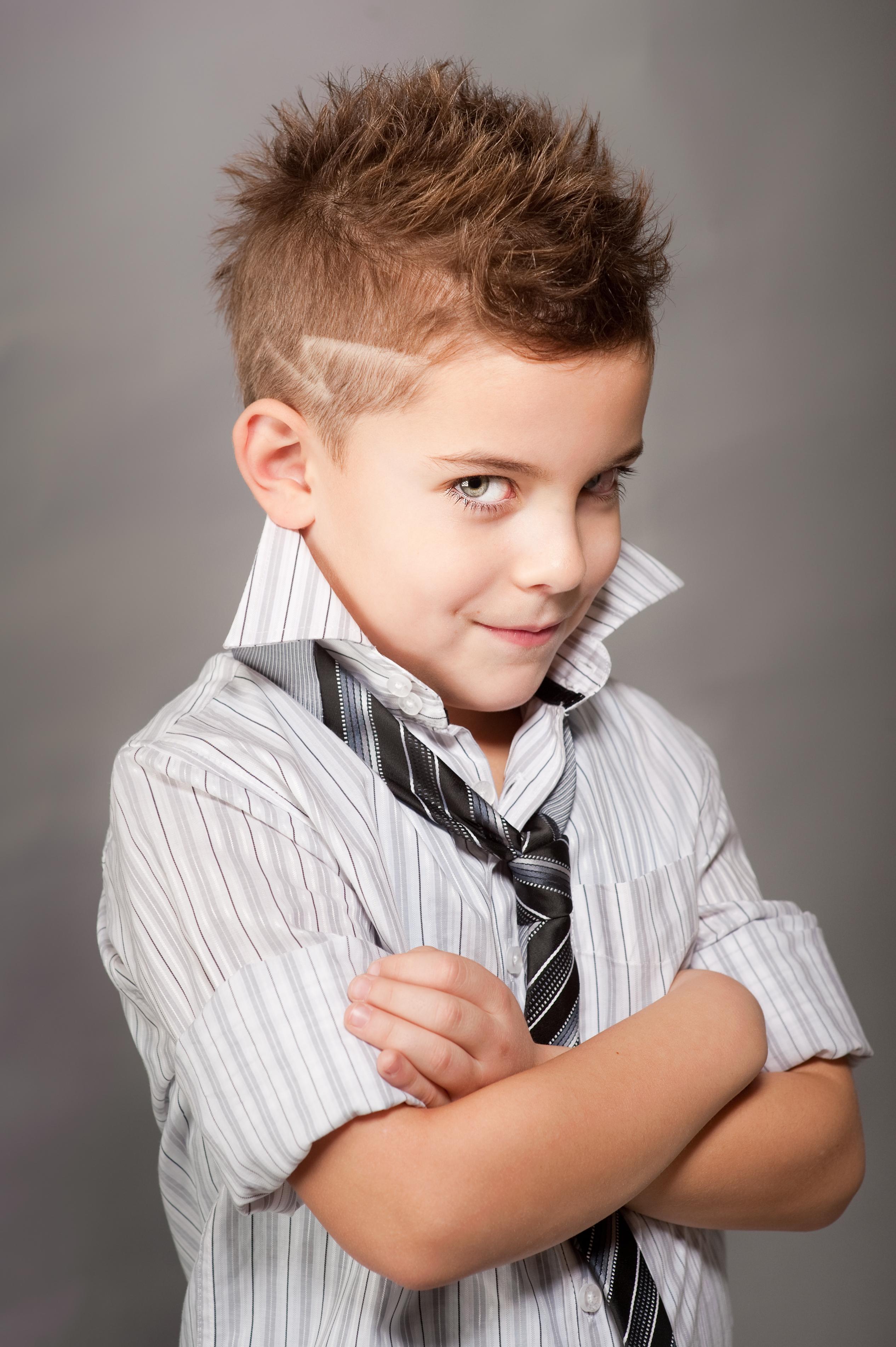 Прически и стрижки для мальчиков картинки