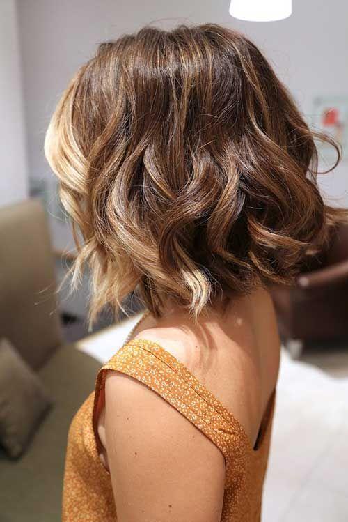 волны на волосах – модная прическа №1.