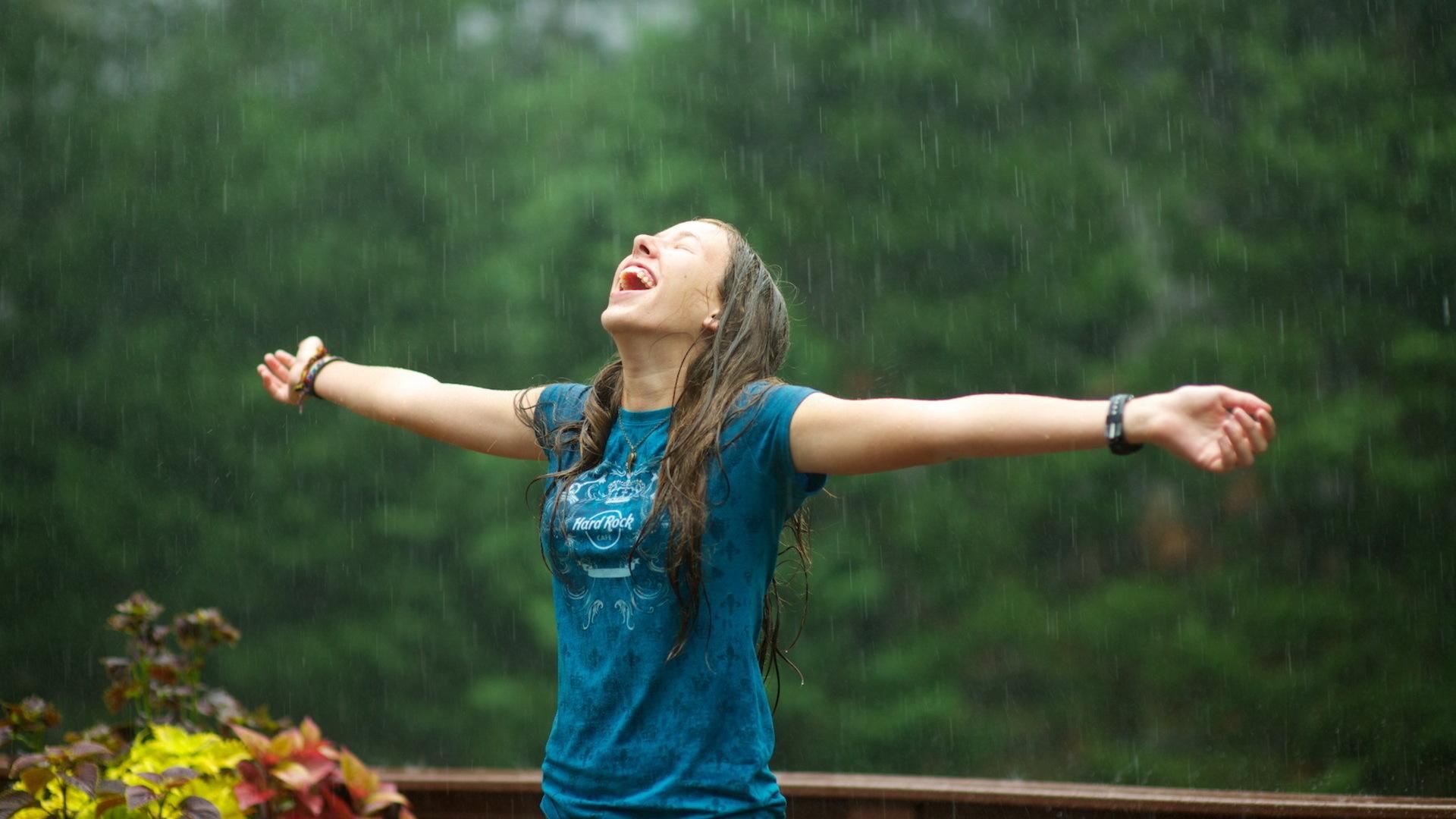 Прически, которым не страшна плохая погода