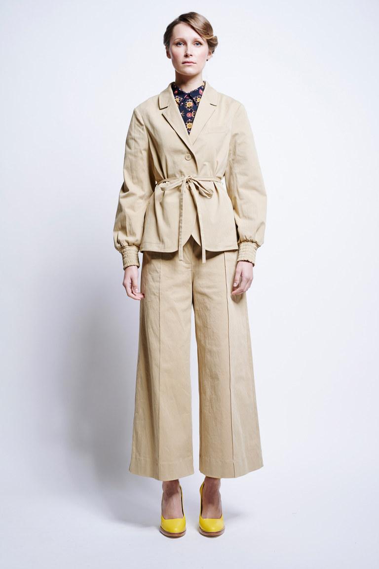 Широкие бежевые модные брюки 2017 - фото новинка из коллекции Karen Walker