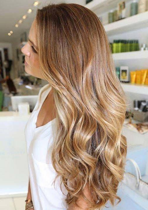 рваная форма рваная форма стрижки каскад на вьющихся волосах с окрасом омбре-вид сбоку