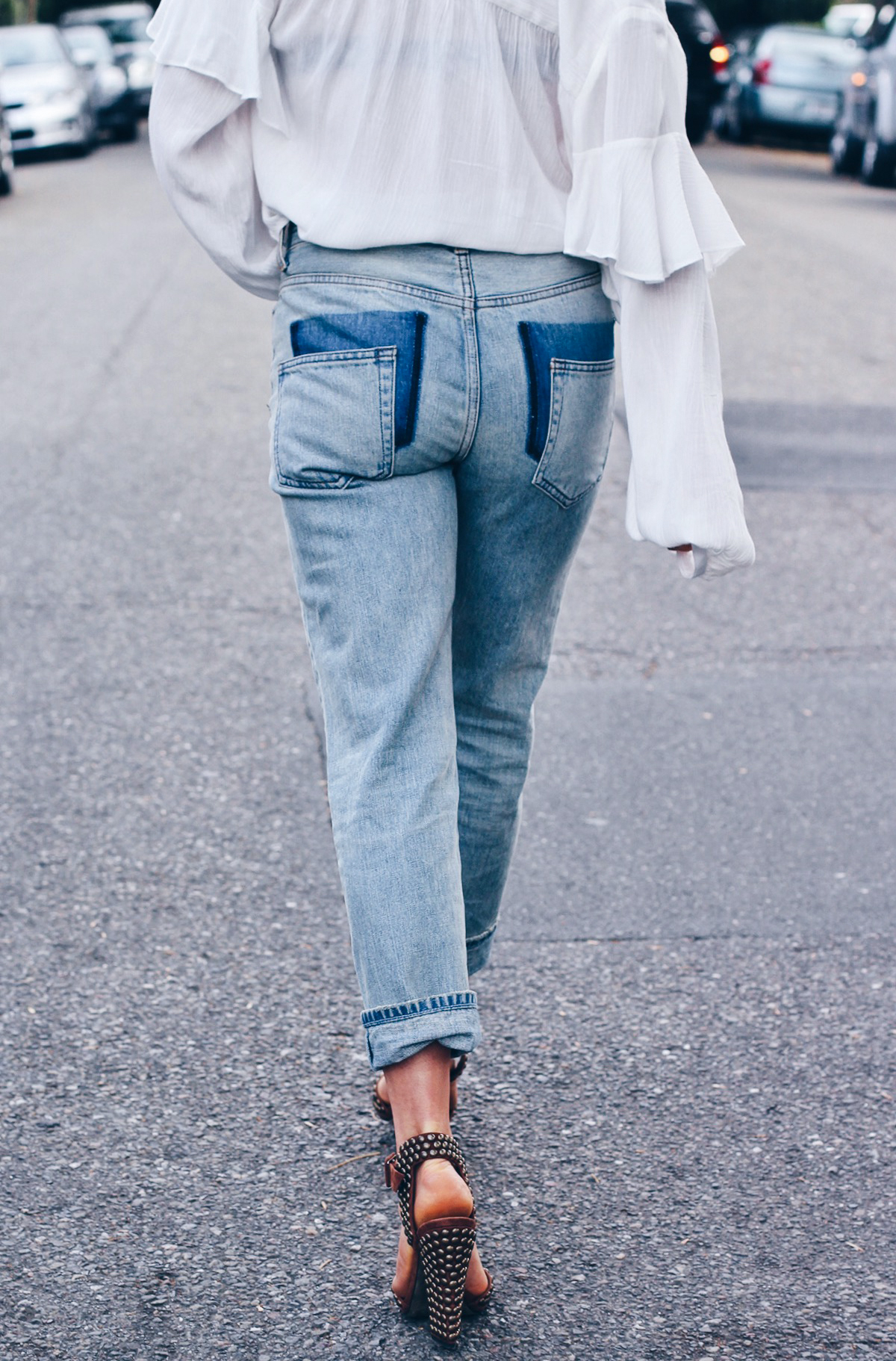Переделываем старые джинсы: модные карманы
