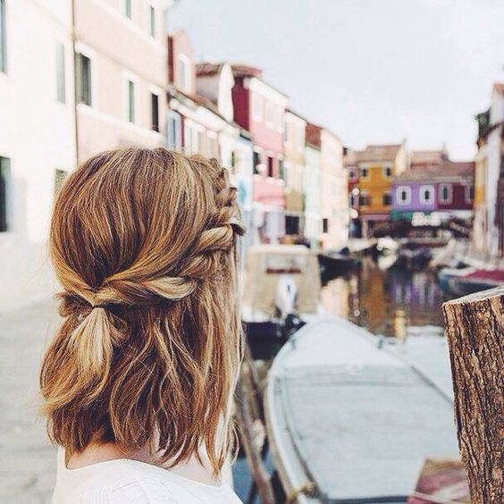 Прическа мальвинка с косой для коротких волос