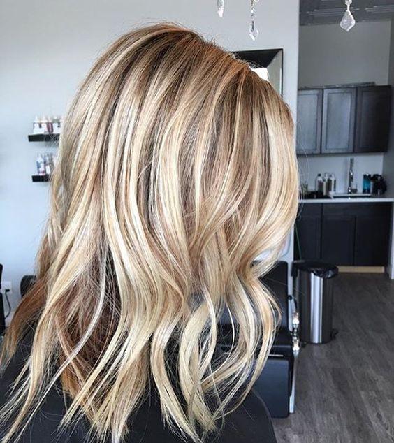 Красивое окрашивание волос и модная укладка