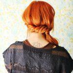 Модная прическа с хвостом на бок - фото мастер-класс