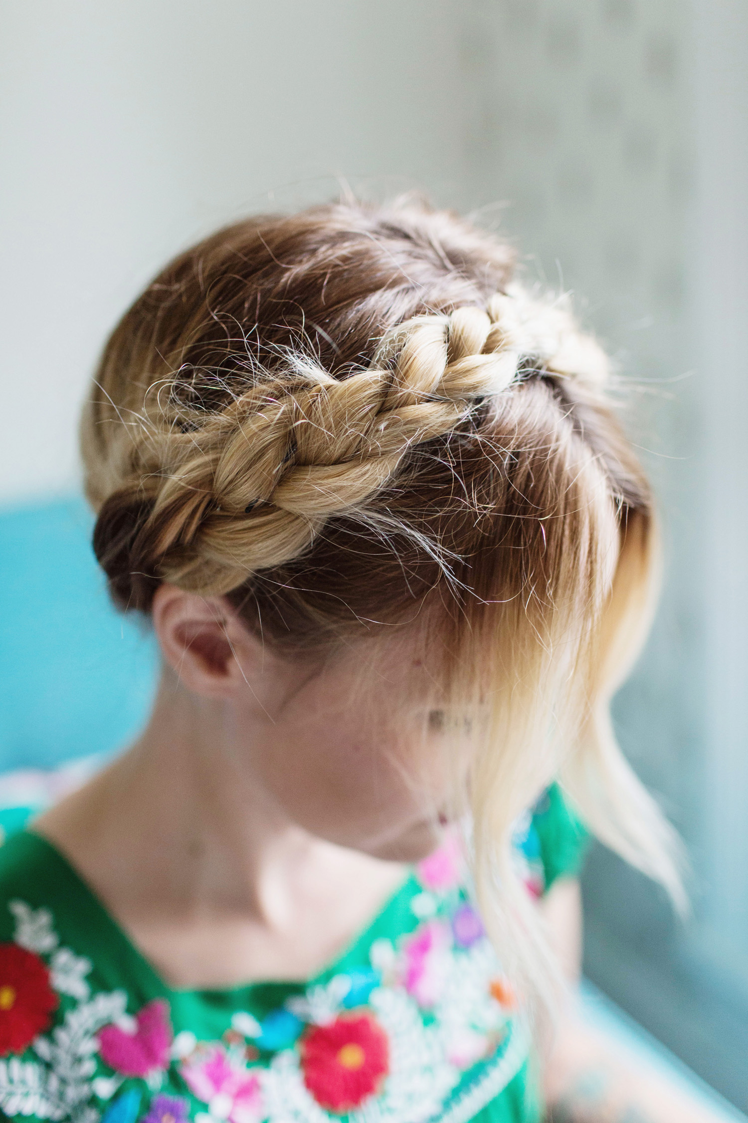 Причёски на 6 класс фото на средние волосы