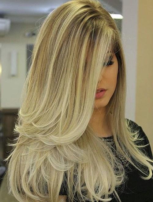 Прическа с длинными волосами и завитыми концами