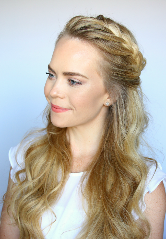 Причёска с косой в виде короны на длинные волосы